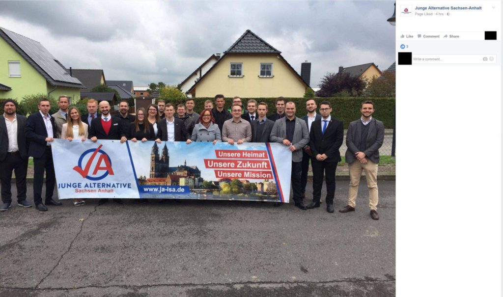 Gruppenbild von der Wahl des JA-Landesvorstands 2016, 5.v.l.: John Hoewer, 10.v.l.: Jan Moldenhauer, 11.v.l. Jan Wenzel Schmidt, 1.v.r.: Philip Thaler
